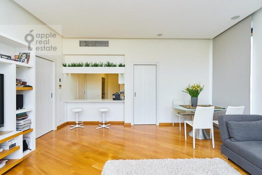 Living room of the 3-room apartment at Stanislavskogo ul. 11