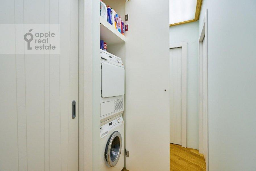 Walk-in closet / Laundry room / Storage room of the 3-room apartment at Stanislavskogo ul. 11
