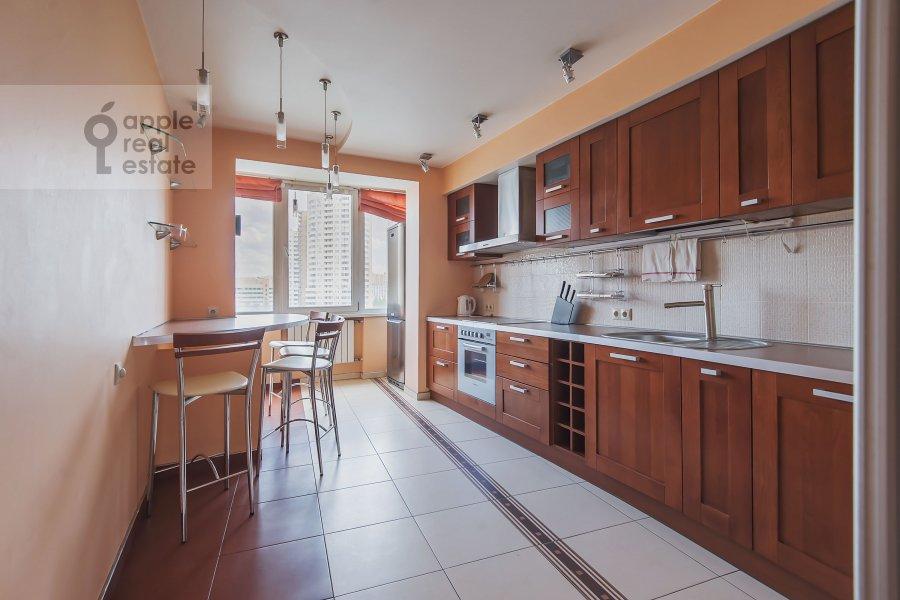 Кухня в 2-комнатной квартире по адресу Саморы Машела ул. 4к6