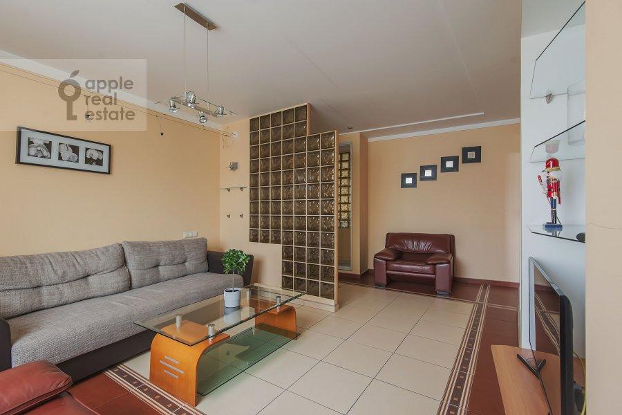 Гостиная в 2-комнатной квартире по адресу Саморы Машела ул. 4к6