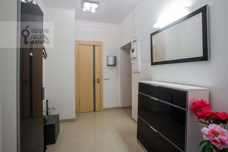 Corridor of the 3-room apartment at Arbat ul. 15/43