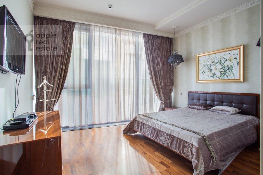Bedroom of the 4-room apartment at Tsvetnoy bul'var 2