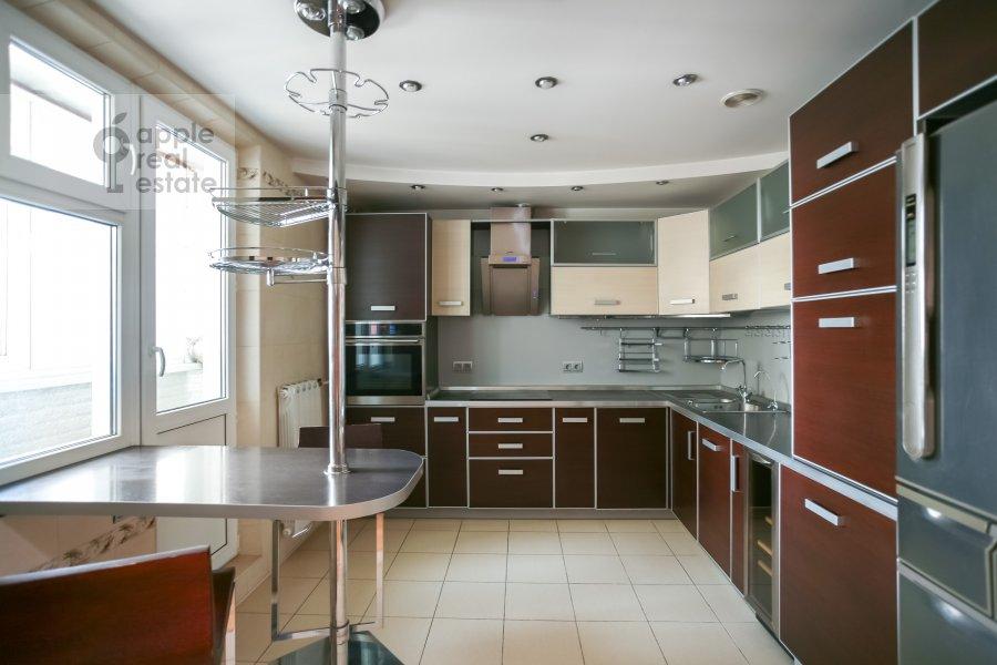 Kitchen of the 3-room apartment at Sokolinoy Gory 8-ya ul. 8k2