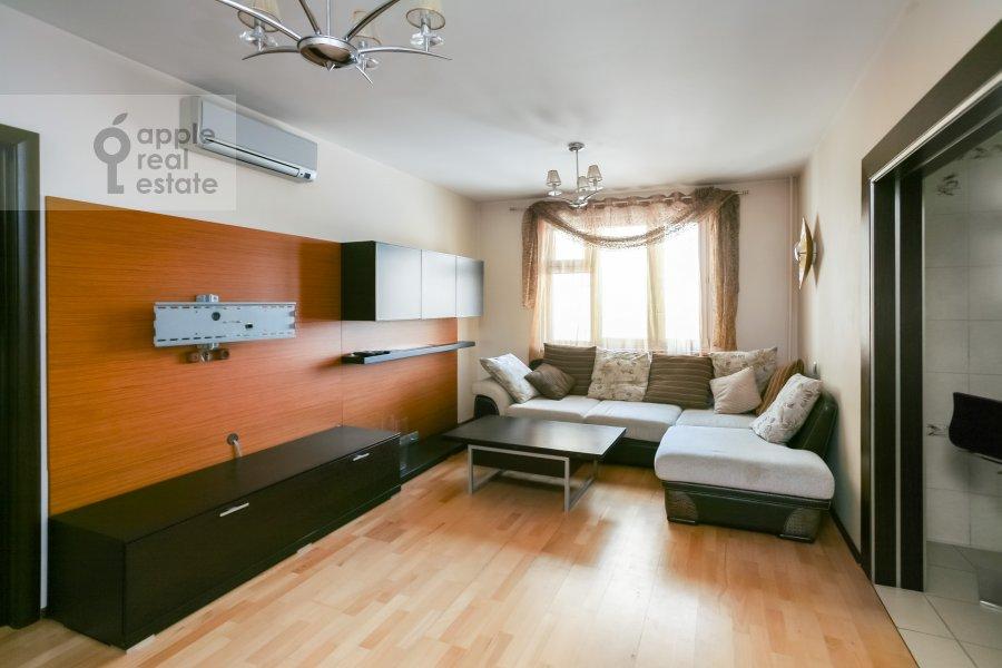 Living room of the 3-room apartment at Sokolinoy Gory 8-ya ul. 8k2