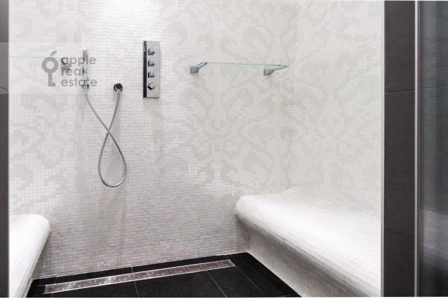 Bathroom of the 3-room apartment at Tsvetnoy bul'v. 2k1