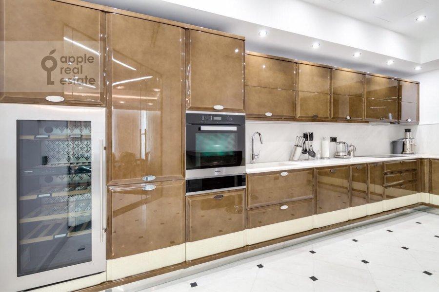 Kitchen of the 3-room apartment at Tsvetnoy bul'v. 2k1