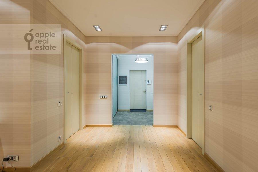 Corridor of the 2-room apartment at Malyy Novopeskovskiy pereulok 8