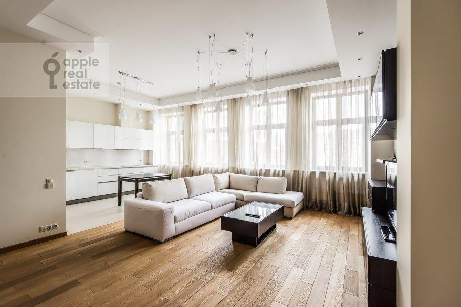 Living room of the 2-room apartment at Polyanka Malaya ul. 2