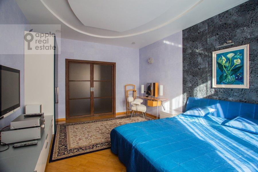 Bedroom of the 3-room apartment at Pogorel'skiy per. 6