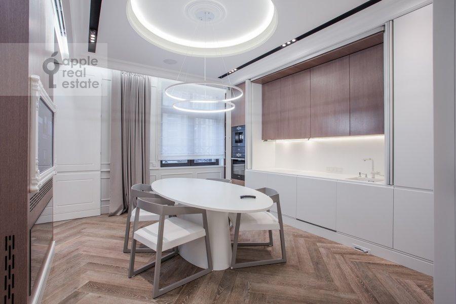 Kitchen of the 2-room apartment at Pogodinskaya ul. 4
