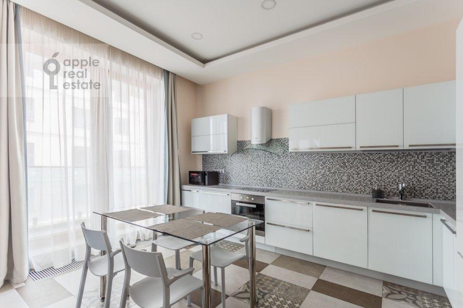 Кухня в 4-комнатной квартире по адресу Смоленский 1-й пер. 21