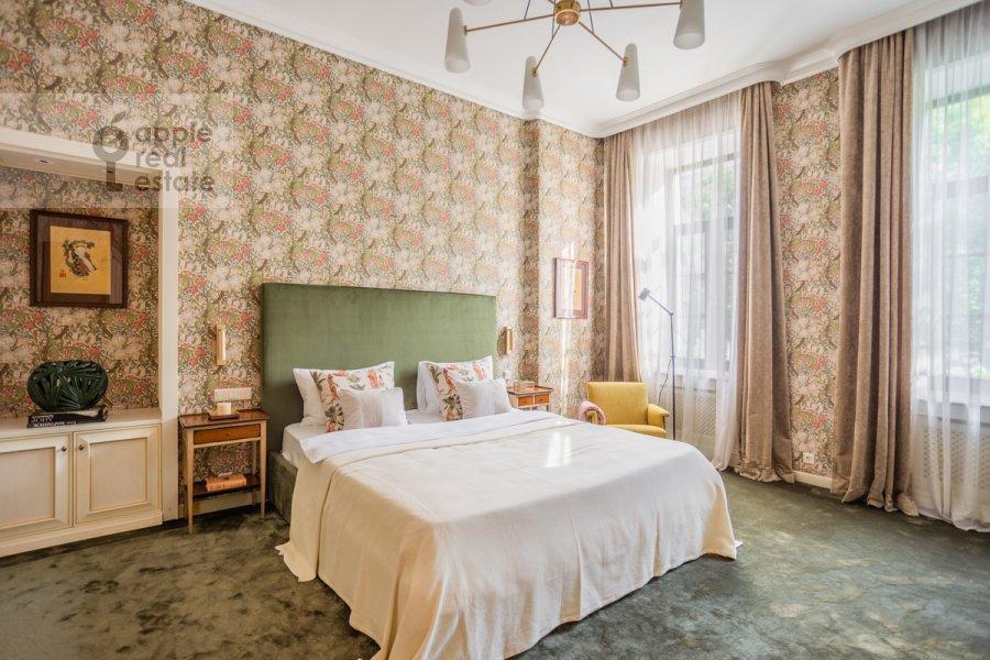 Bedroom of the 4-room apartment at Sadovaya Bol'shaya ul. 10