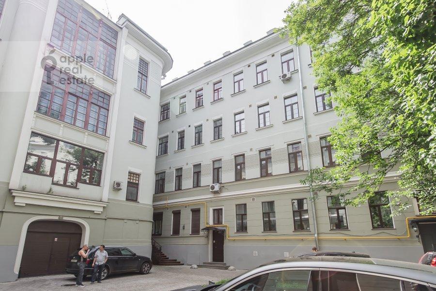 Photo of the house of the 4-room apartment at Sadovaya Bol'shaya ul. 10