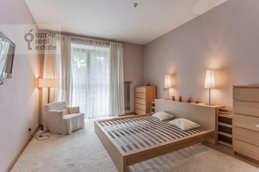 Bedroom of the 3-room apartment at Dokhturovskiy pereulok 6
