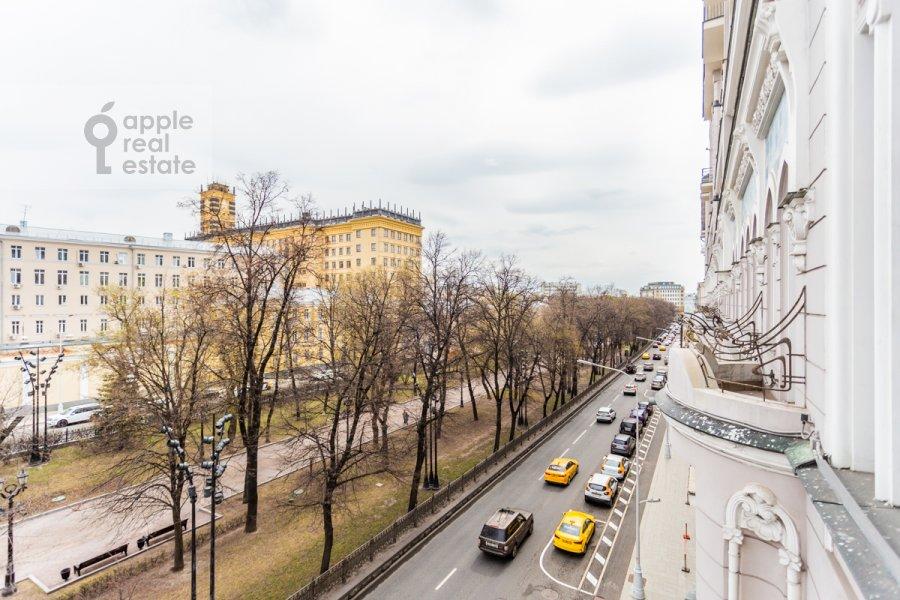 Вид из окна в 3-комнатной квартире по адресу Гоголевский бульвар 29
