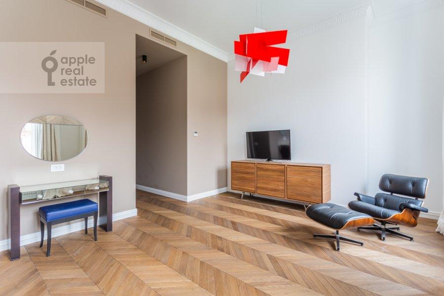 Детская комната / Кабинет в 3-комнатной квартире по адресу Гоголевский бульвар 29