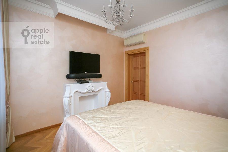 Спальня в 4-комнатной квартире по адресу м-н Северное Чертаново 1А