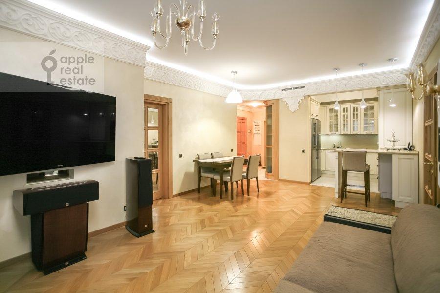 Гостиная в 4-комнатной квартире по адресу м-н Северное Чертаново 1А