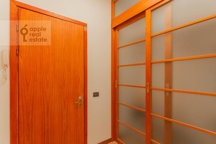 Коридор в 4-комнатной квартире по адресу Плотников пер. 13