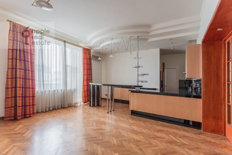 Кухня в 4-комнатной квартире по адресу Плотников пер. 13
