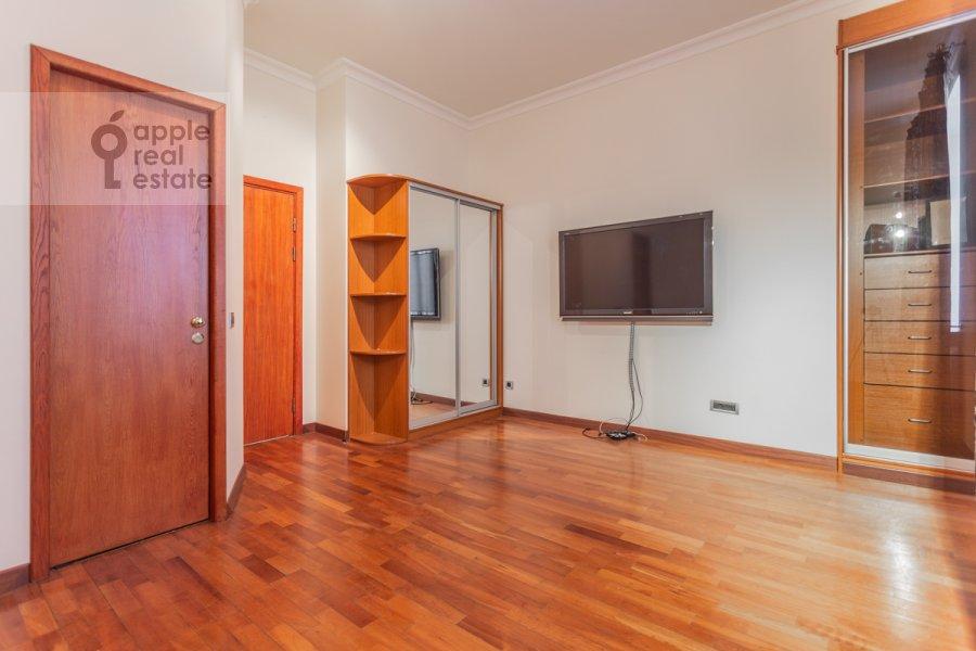 Детская комната / Кабинет в 4-комнатной квартире по адресу Плотников пер. 13