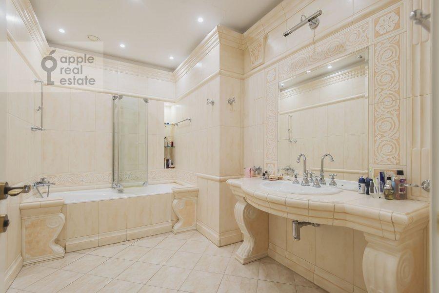 Bathroom of the 3-room apartment at Leninskiy  pr-t. 98k1