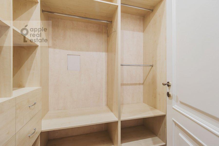 Walk-in closet / Laundry room / Storage room of the 3-room apartment at Leninskiy  pr-t. 98k1