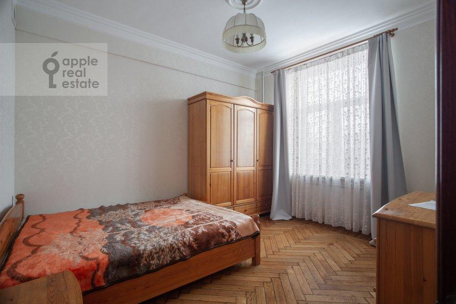 Спальня в 2-комнатной квартире по адресу Большая Ордынка 34/38