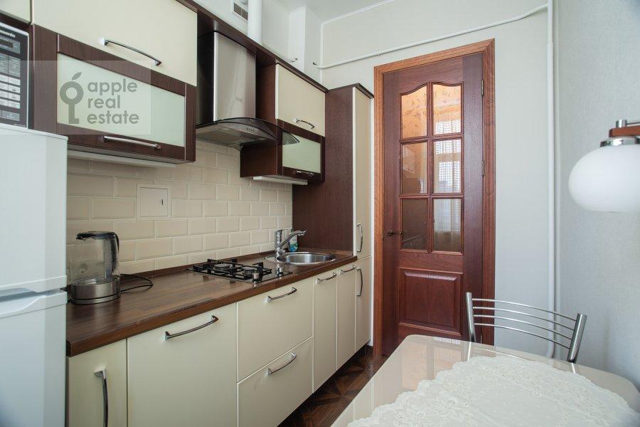 Кухня в 2-комнатной квартире по адресу Большая Ордынка 34/38