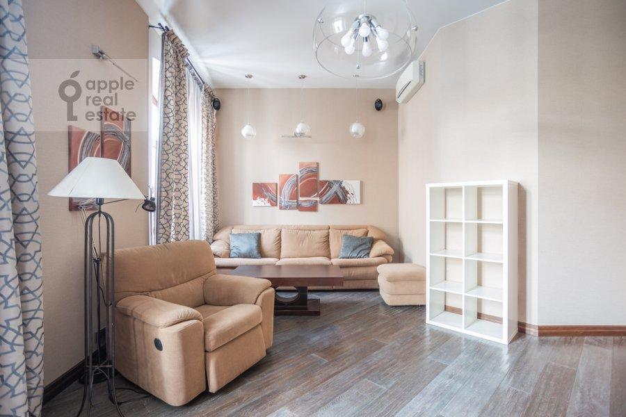 Гостиная в 4-комнатной квартире по адресу Сверчков пер. 10