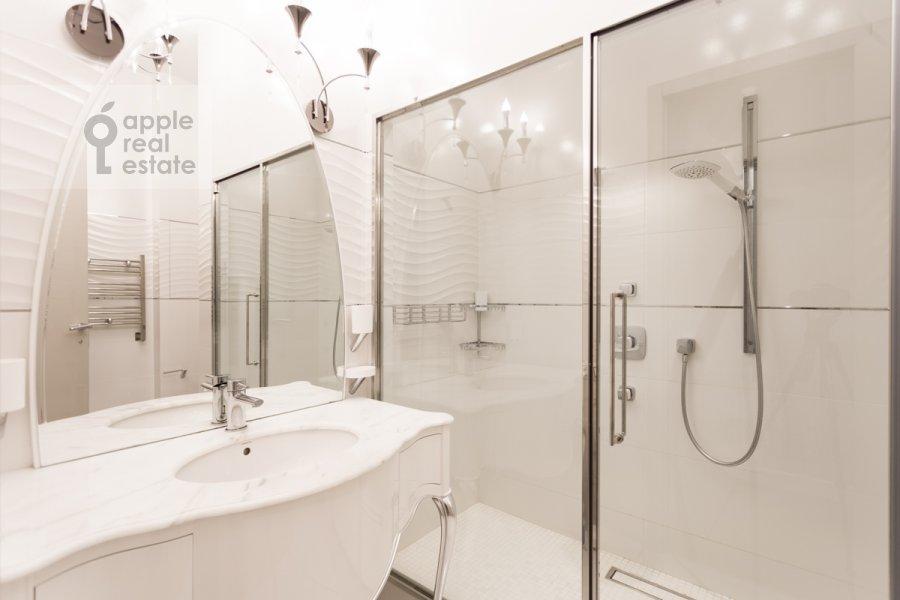 Bathroom of the 3-room apartment at Fadeeva ul. 4a