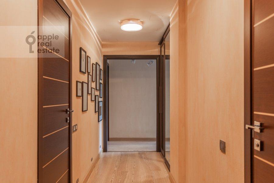 Коридор в 5-комнатной квартире по адресу Академика Пилюгина ул. 22к1