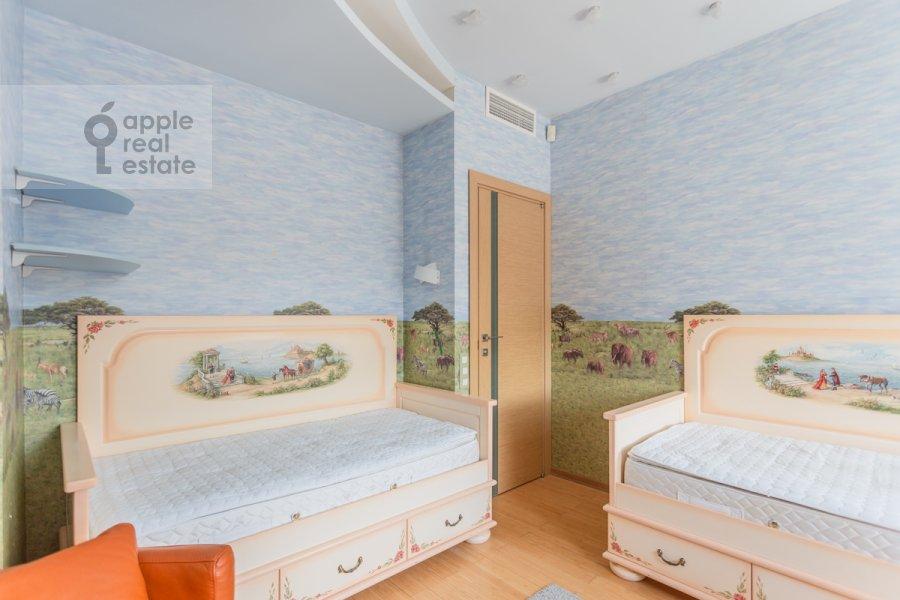 Детская комната / Кабинет в 5-комнатной квартире по адресу Академика Пилюгина ул. 22к1