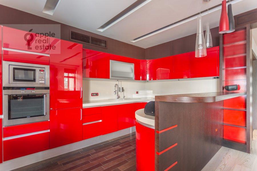 Кухня в 5-комнатной квартире по адресу Академика Пилюгина ул. 22к1