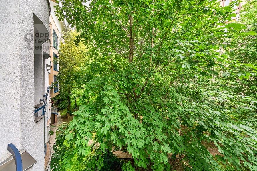 Вид из окна в 3-комнатной квартире по адресу Бутиковский пер. 16с3