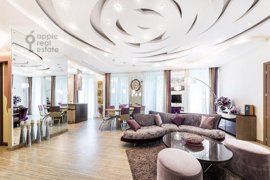 Гостиная в 3-комнатной квартире по адресу Бутиковский пер. 16с3