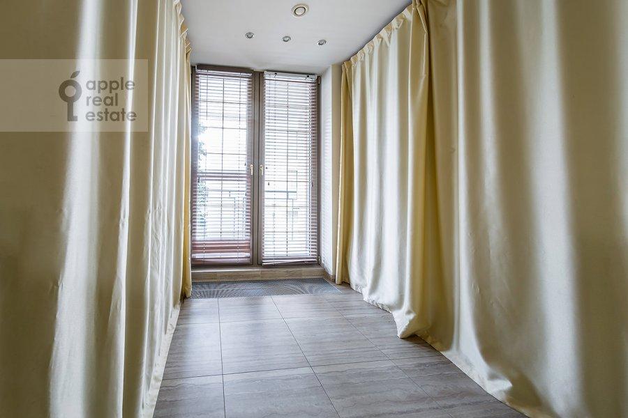 Коридор в 3-комнатной квартире по адресу Бутиковский пер. 16с3