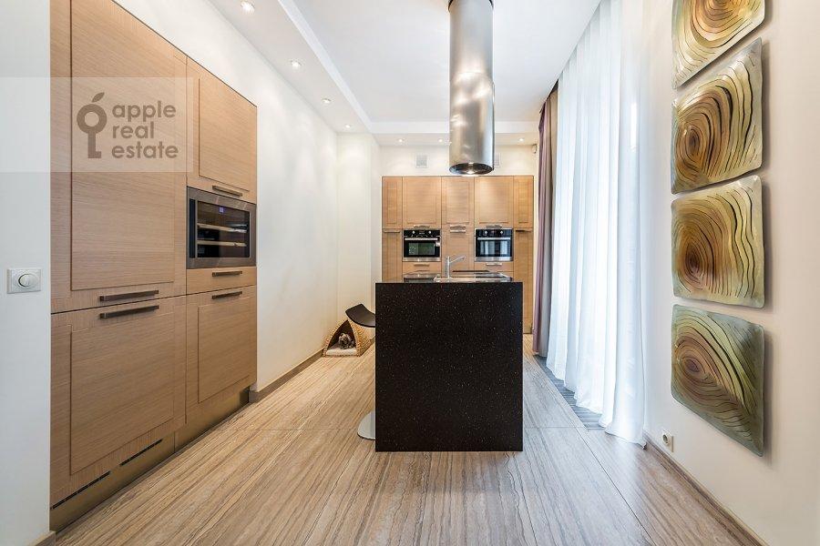 Кухня в 3-комнатной квартире по адресу Бутиковский пер. 16с3