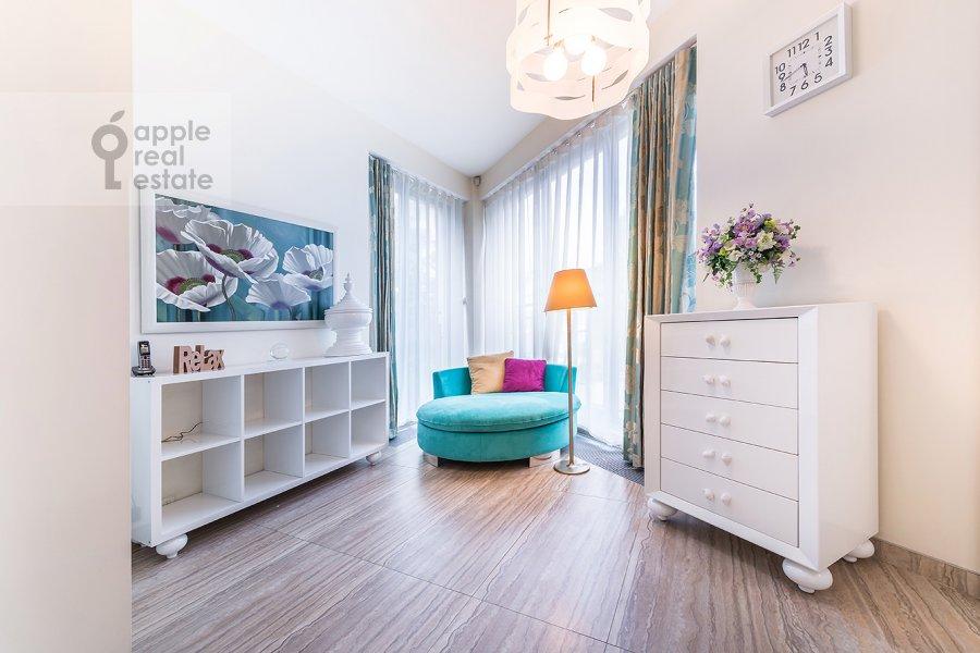 Спальня в 3-комнатной квартире по адресу Бутиковский пер. 16с3