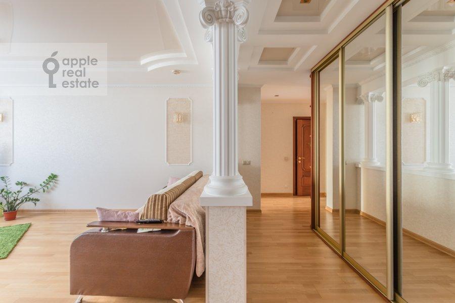 Corridor of the 3-room apartment at 1-y Nagatinskiy proezd 11k1