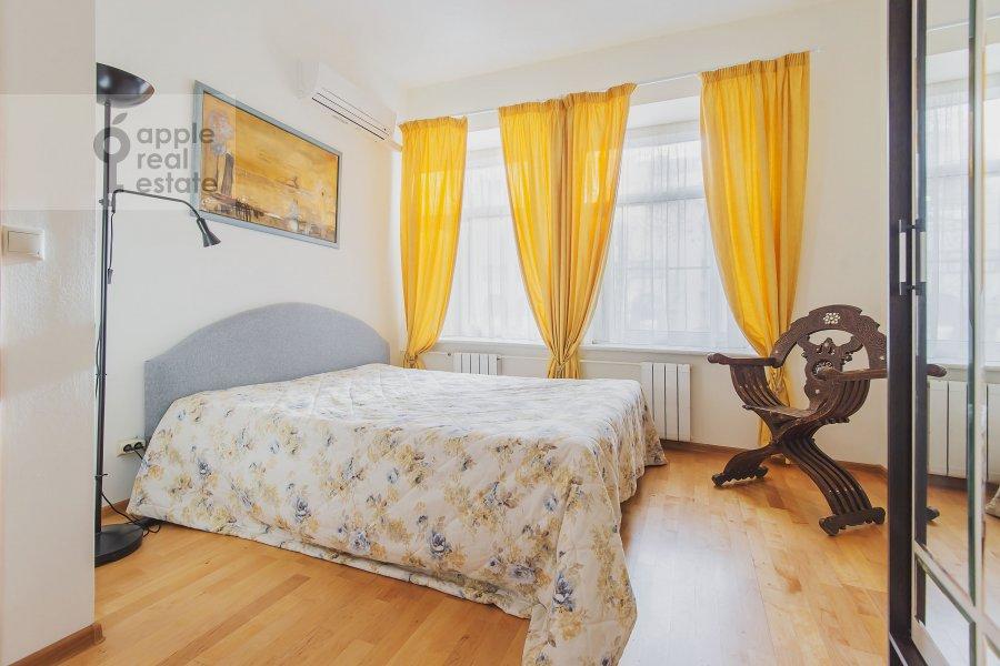 Спальня в 3-комнатной квартире по адресу Луков пер. 4