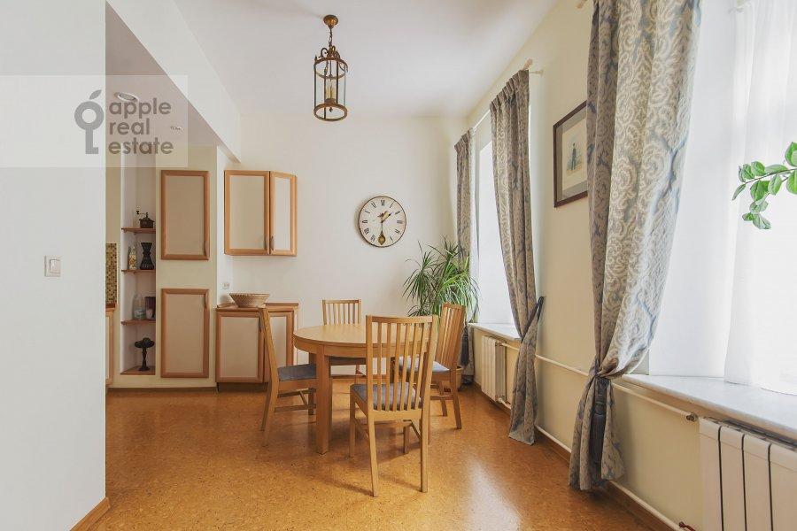 Гостиная в 3-комнатной квартире по адресу Луков пер. 4