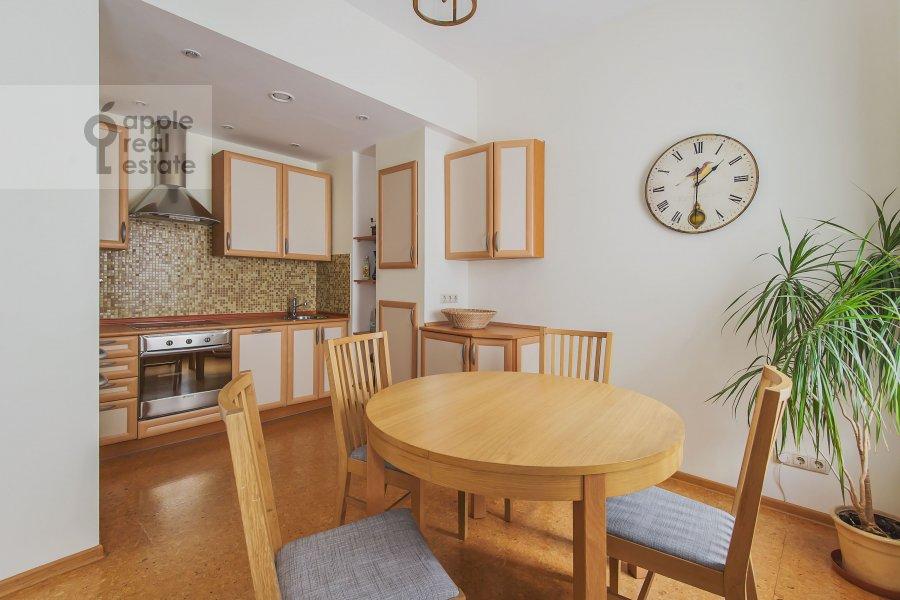 Кухня в 3-комнатной квартире по адресу Луков пер. 4