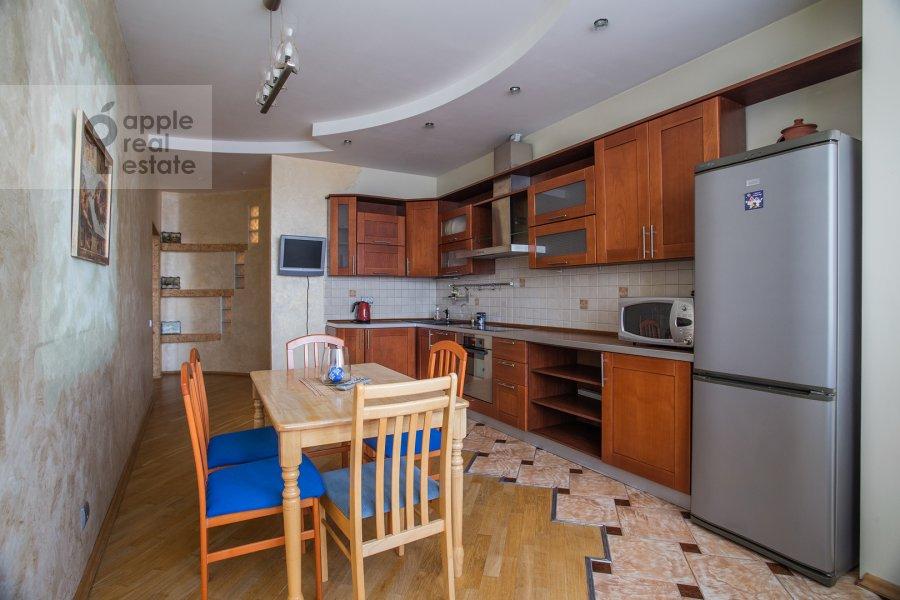 Кухня в 3-комнатной квартире по адресу Полоцкая ул. 31