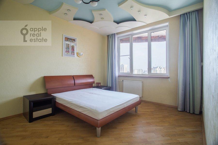 Спальня в 3-комнатной квартире по адресу Полоцкая ул. 31