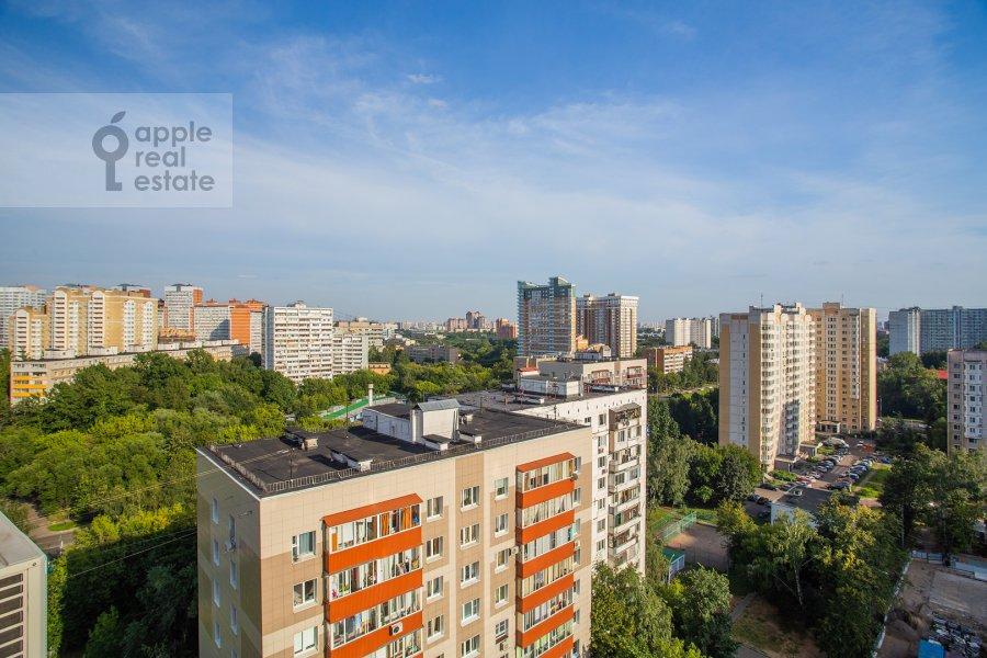 Вид из окна в 3-комнатной квартире по адресу Полоцкая ул. 31
