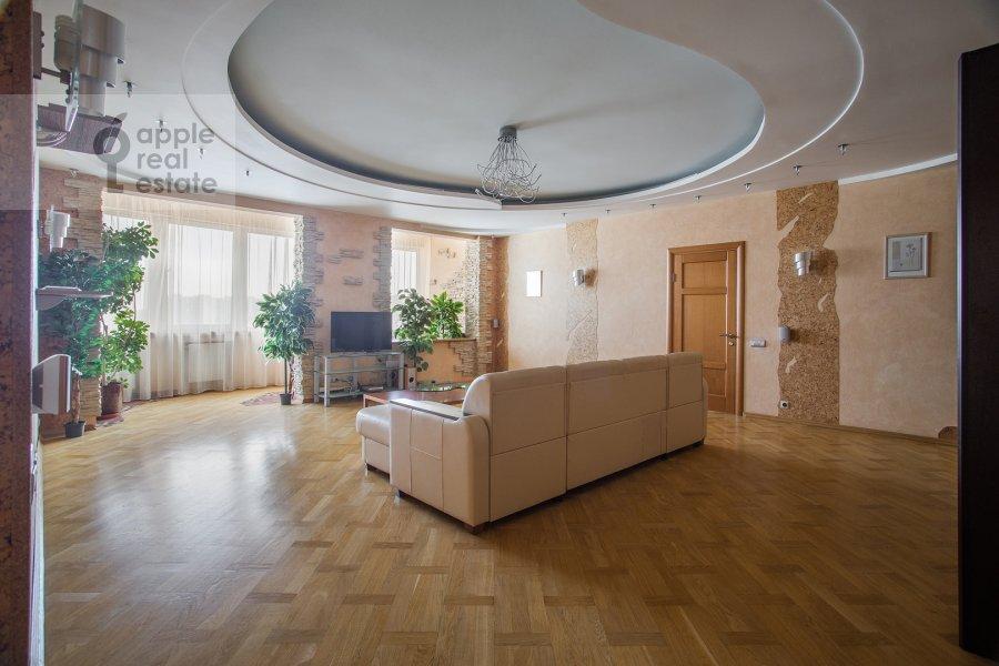 Гостиная в 3-комнатной квартире по адресу Полоцкая ул. 31