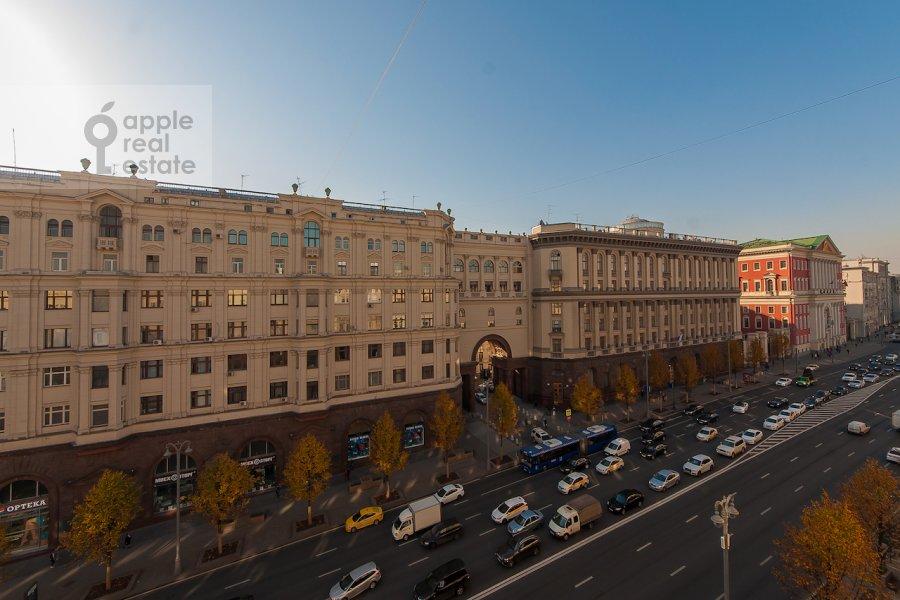 Вид из окна в 2-комнатной квартире по адресу Тверская ул. 6с1