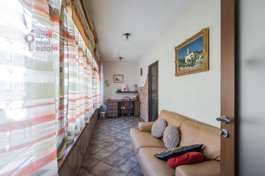 Balcony / Terrace / Loggia of the 4-room apartment at Krivoarbatskiy pereulok 8s2