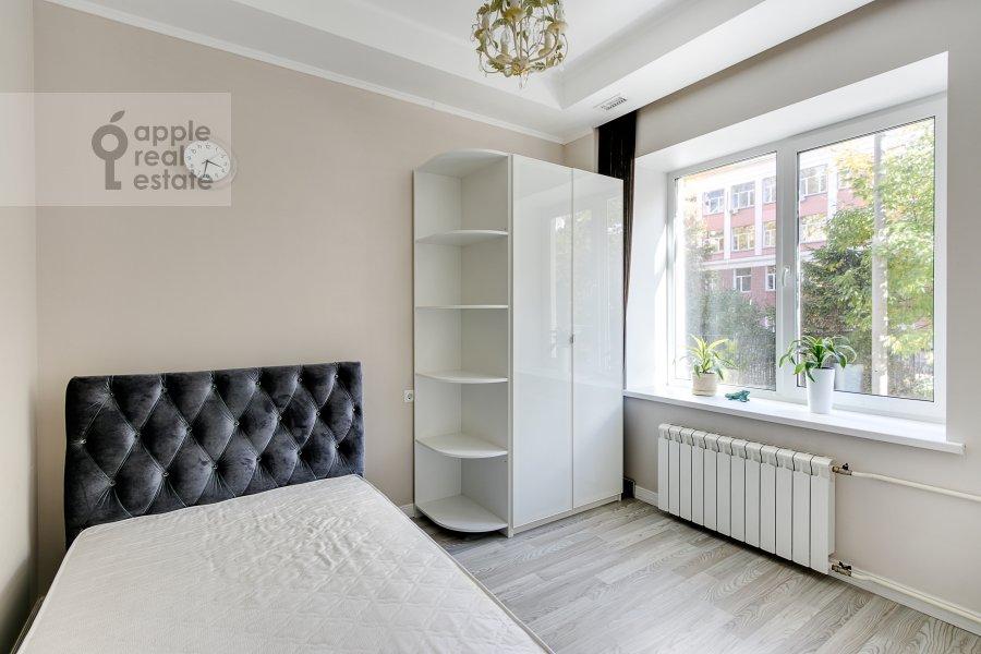 Спальня в 3-комнатной квартире по адресу Студенческая ул. 39